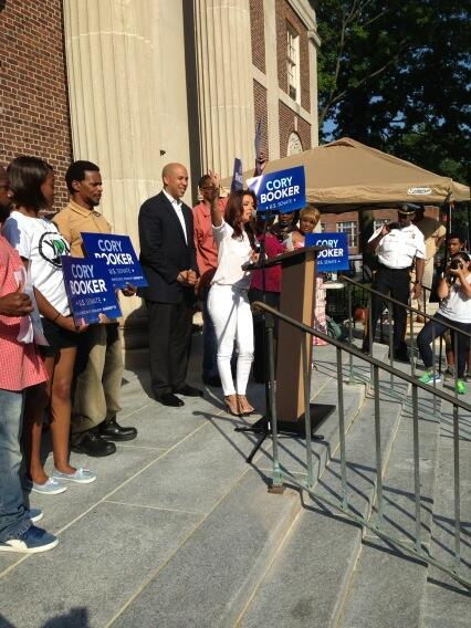 Eva Longoria and Newark Mayor Cory Booker Credit: Twitter - @mattdonnally